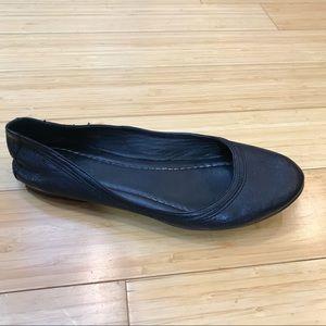 FRYE Carson black leather ballet flat, 8.5.